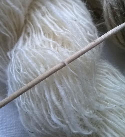 fil, filage de laine, laine, fuseau, métiers anciens